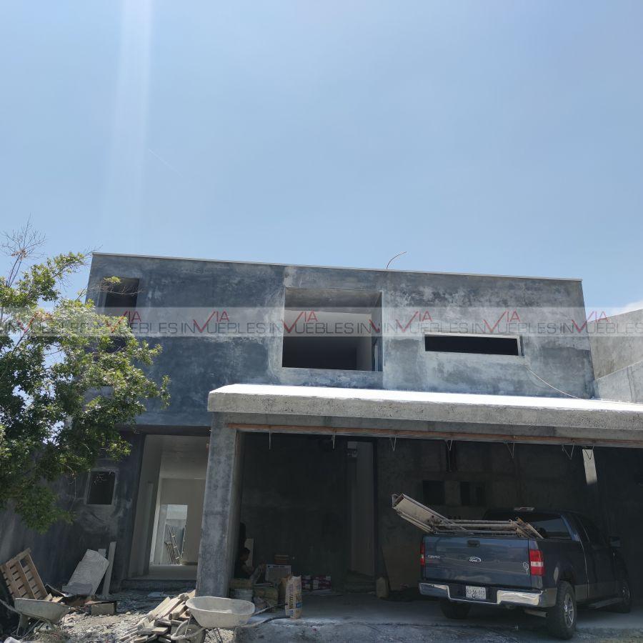 Casa en Venta en Carretera Nacional $9,990,000